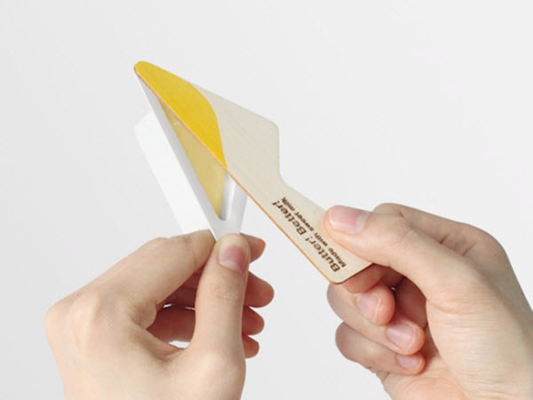 Butter with printed wooden knife incorporated