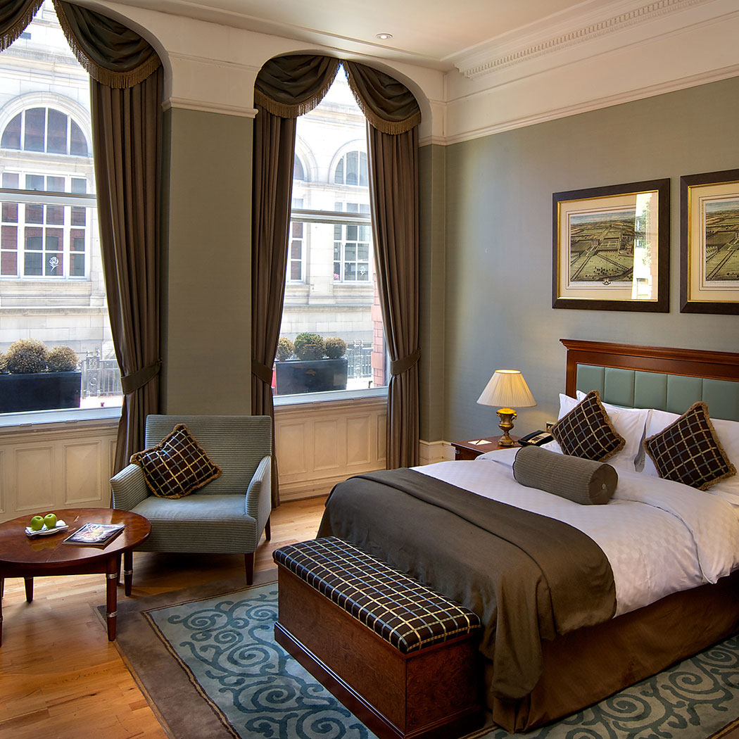 Showcasing a deluxe room at Quebecs Hotel, Leeds